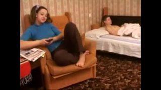 Hermano Mayor Abusa de Su Hermanita   Videos porno de incesto
